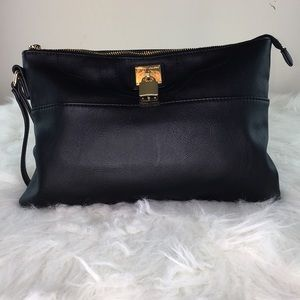 United Colors of Benetton Black Clutch